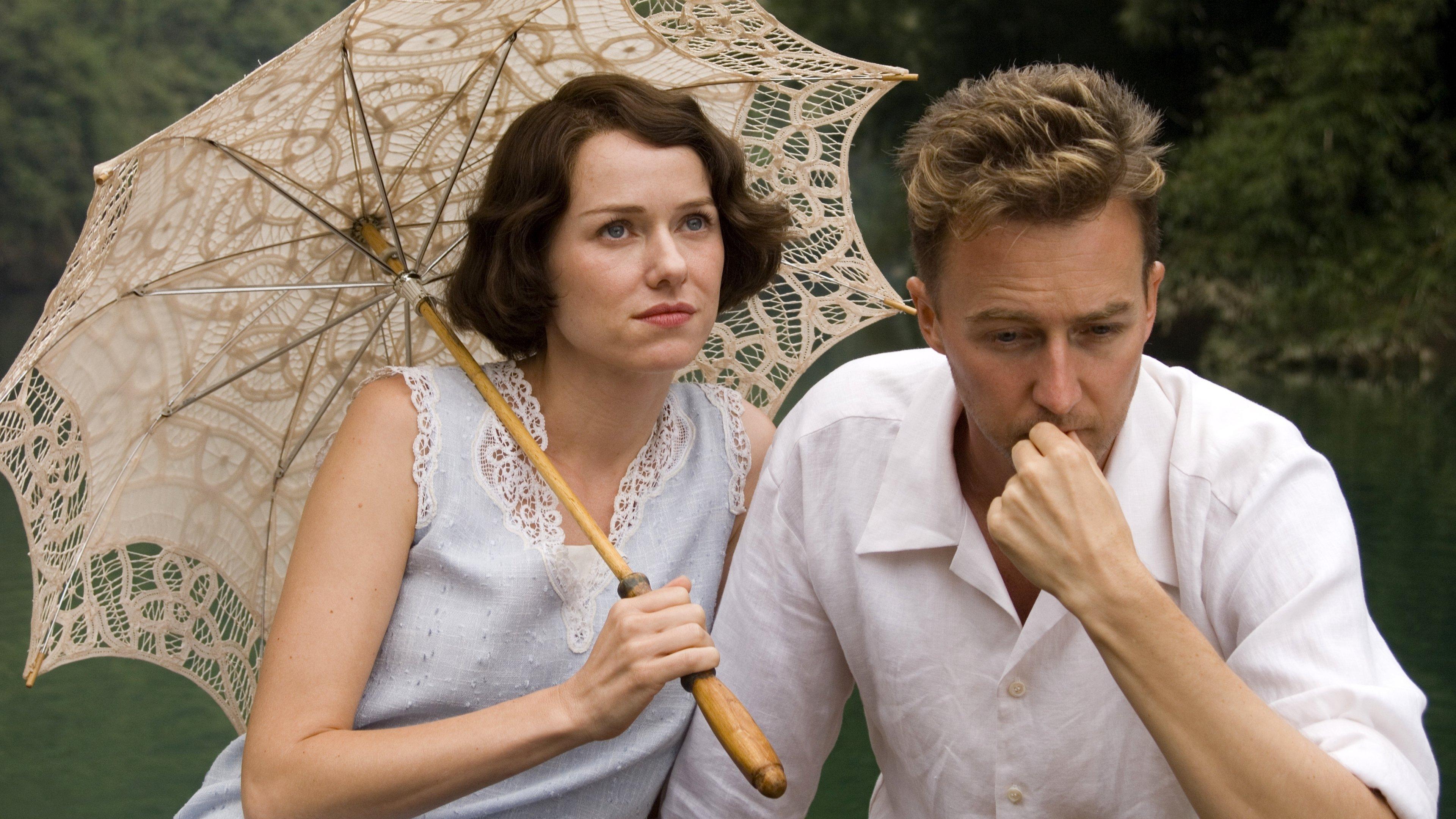 Romance com belas locações , estrelado por Naomi Watts e Edward Norton.